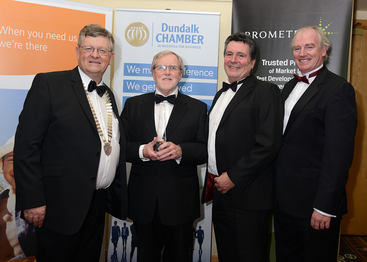 Gerry Jones, MD Dunraven Systems receiving his award